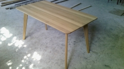 SPINDLE oak table
